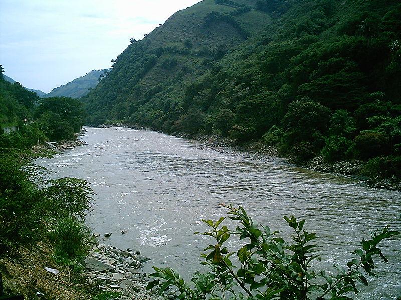 Archivo:Río Cauca.JPG