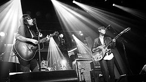 English: Tegan and Sara performing at the Pola...