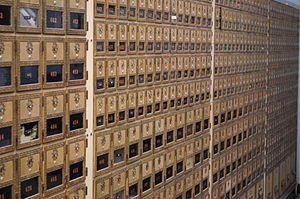 English: Post office boxes, post office, La Co...