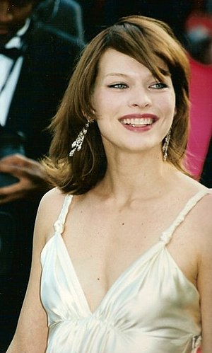 Jovovich at the 2000 Cannes Film Festival.