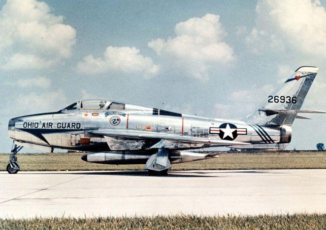 F-84F Thunderstreak.jpg