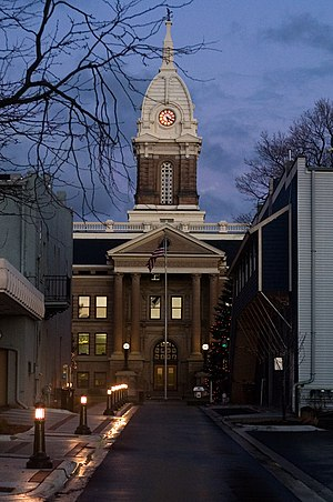 English: Ingham County Courthouse in Mason, Mi...