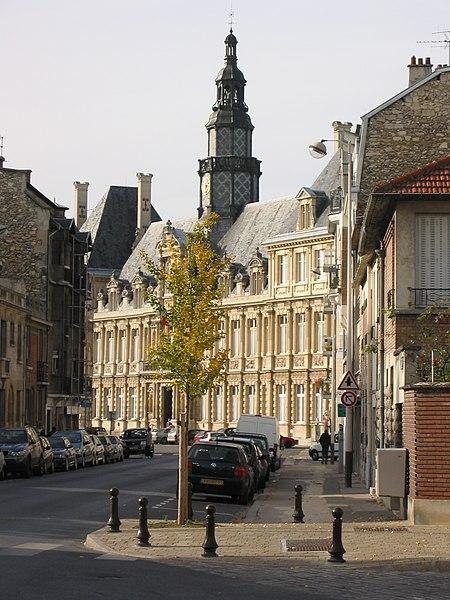 Archivo:Town hall, Reims, France 2004-11-05.jpg