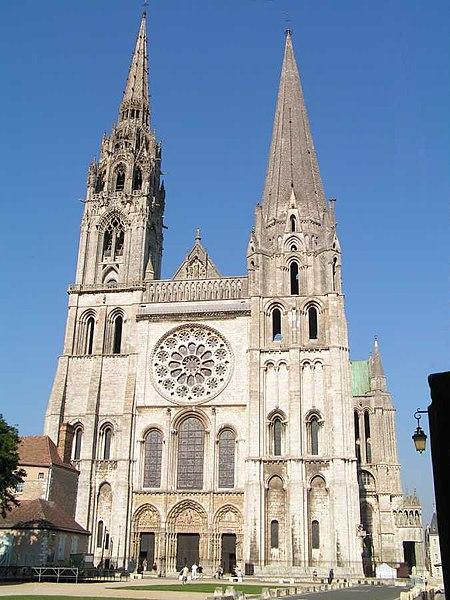 fasada katedry w Chartres