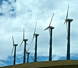English: Wind turbines at Altamont Pass near L...