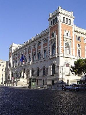 Entrata regale del palazzo del Parlamento a Ro...