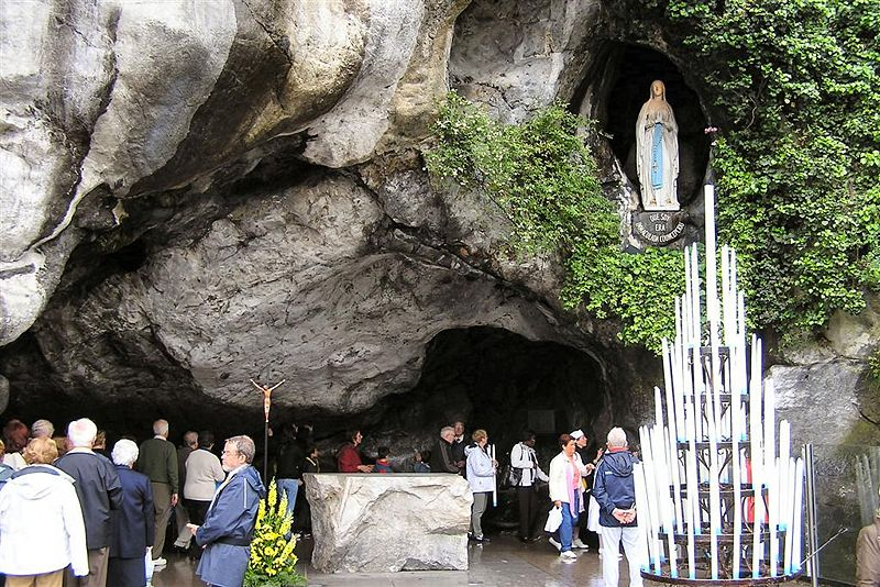 Plik:Grotte Massabielle.jpg