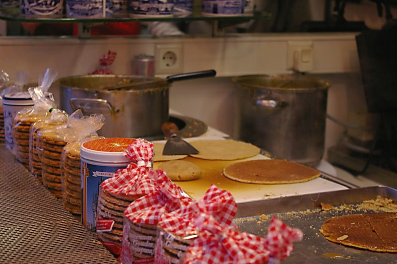 File:Stroopwafel fresh stand.jpg