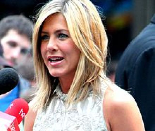 Aniston At The London Premiere Of Horrible Bosses In