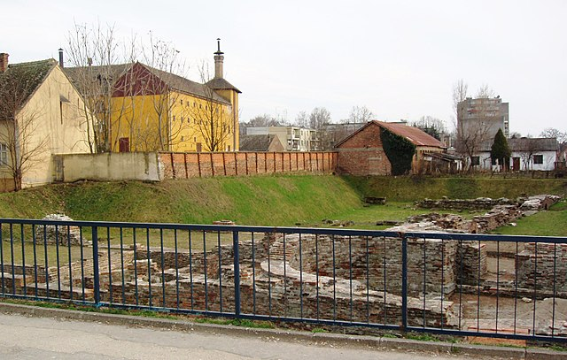 640px-Sremska_Mitrovica_-_The_ruins_of_I