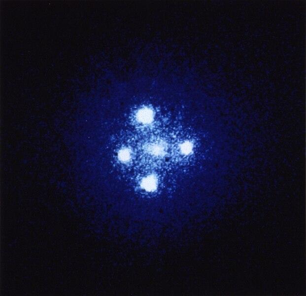 Berkas:Einstein cross.jpg