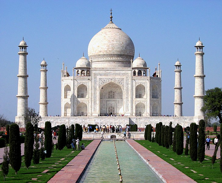 Berkas:Taj Mahal in March 2004.jpg
