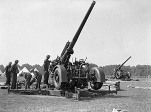 QF 3.7 inch anti-aircraft guns in Hyde Park, L...