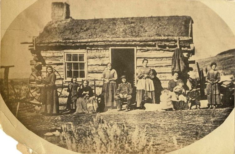 File:Mormon Family (Russell's Polygamy in Low Life).jpg
