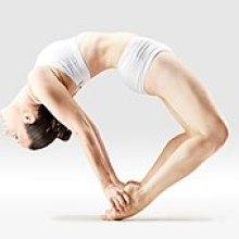 Mr-yoga-pointe-orteil arc pose 2.jpg
