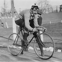 Bicycle racing around 1909