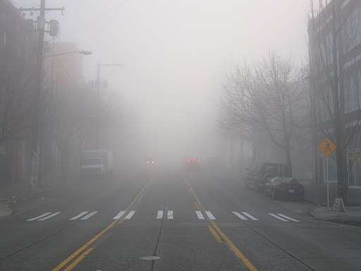 https://i2.wp.com/upload.wikimedia.org/wikipedia/commons/thumb/c/ca/Dense_Seattle_Fog.jpg/512px-Dense_Seattle_Fog.jpg