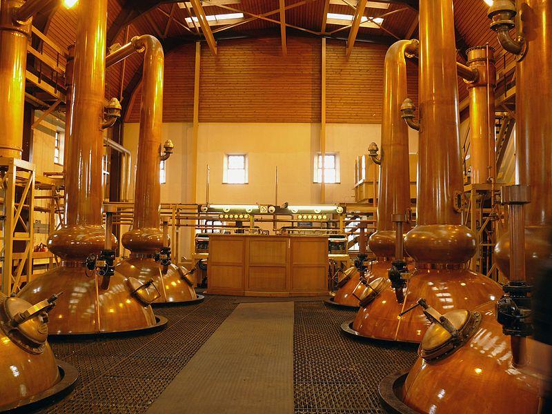 File:Glenmorangie Distillery Stills.jpg