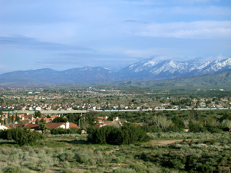 File:Palmdale and Mountains.jpg