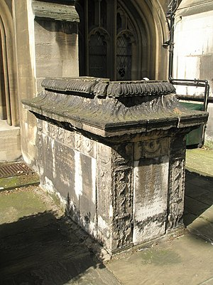 English: Tomb within the churchyard of St Sepu...