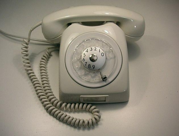 Statliga telefoner anno 1980 (Foto: Holger Ellgaard/Wikipedia)