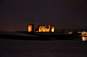 English: Caerphilly Castle in the early evenin...