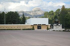 Le Musée de la Légion vu depuis le quartier Raphaël Vienot à Aubagne