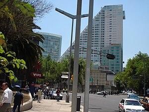 Español: Reforma 222 torre 1 y torre 3 en la C...