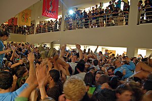 English: Flash mob at UNC's Davis Library at t...