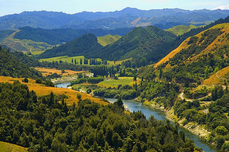 File:Whanganui River.jpg