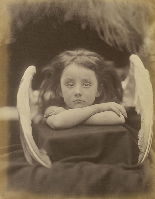 https://i2.wp.com/upload.wikimedia.org/wikipedia/commons/thumb/c/cc/I_Wait%2C_by_Julia_Margaret_Cameron.jpg/500px-I_Wait%2C_by_Julia_Margaret_Cameron.jpg