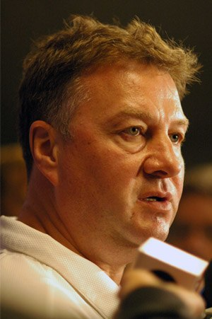 Photo of hockey executive Mike Gillis.