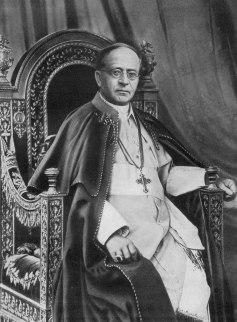Resultado de imagen para Papa Pio XI condenando el comunismo