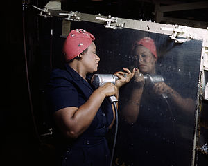 """English: A real-life """"Rosie the Riveter&q..."""