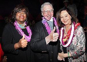 English: Roger Ebert and his wife Chaz Hammel-...