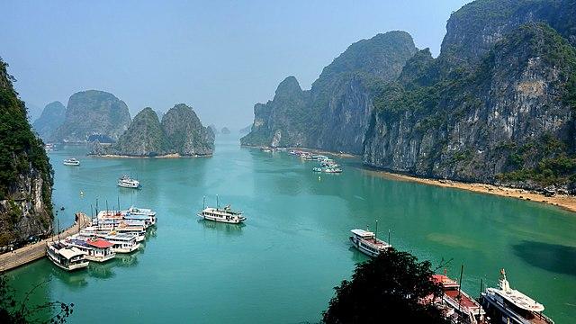 640px Ha Long Bay on a sunny day - A New Job, a New Voyage, An Endangered Species