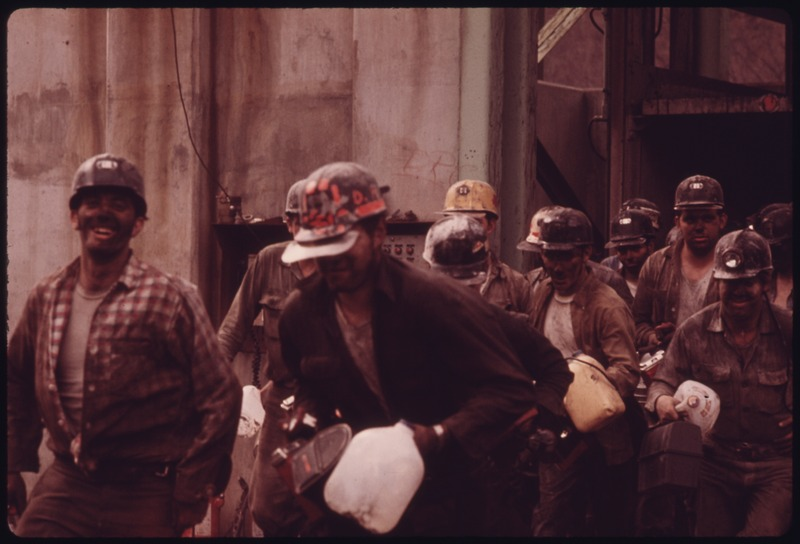 File:MINERS JUST LEAVING THE ELEVATOR SHAFT OF VIRGINIA-POCAHONTAS COAL COMPANY MINE ^4 NEAR RICHLANDS, VIRGINIA AT 4 P.M.... - NARA - 556340.tif