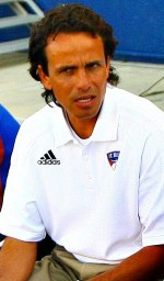 Oscar Pareja coaches at FC Dallas. Edited from...