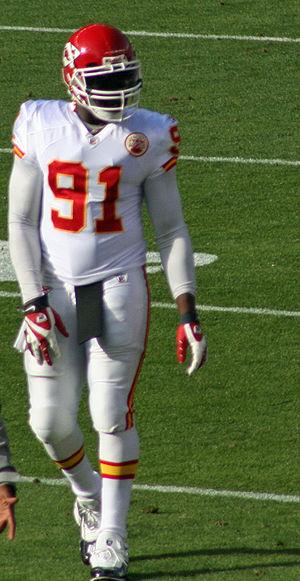 English: Tamba Hali, a player on the Kansas Ci...