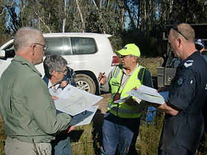 English: Bush Search and Rescue volunteers bei...