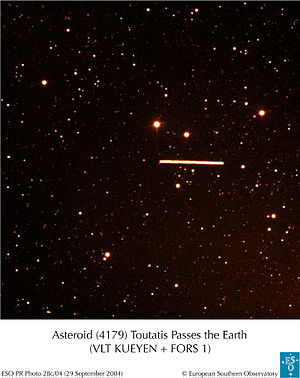 English: Asteroid Toutatis from Paranal