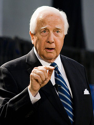 English: David McCullough speaking at Emory Un...
