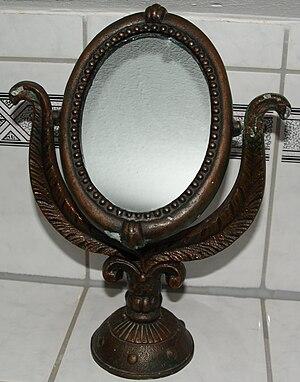 English: Old make-up mirror. Deutsch: Alter Sc...