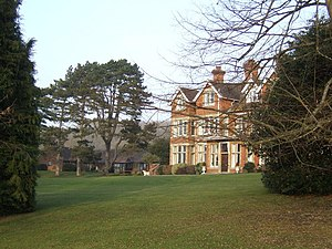 English: Oaken Holt Nursing Home A victorian c...