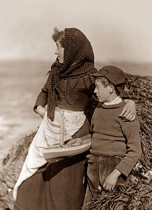 English: Fisher people, mother and son