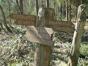 Wegweiser im Bramwald