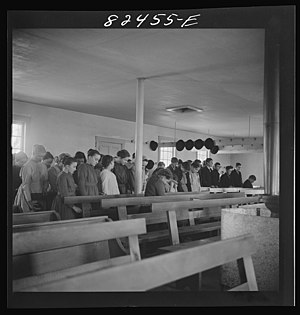 English: Hinkletown, Pennsylvania. Mennonite c...