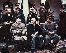 Churchill, Roosevelt e Stalin na Conferência de Ialta, 1945.