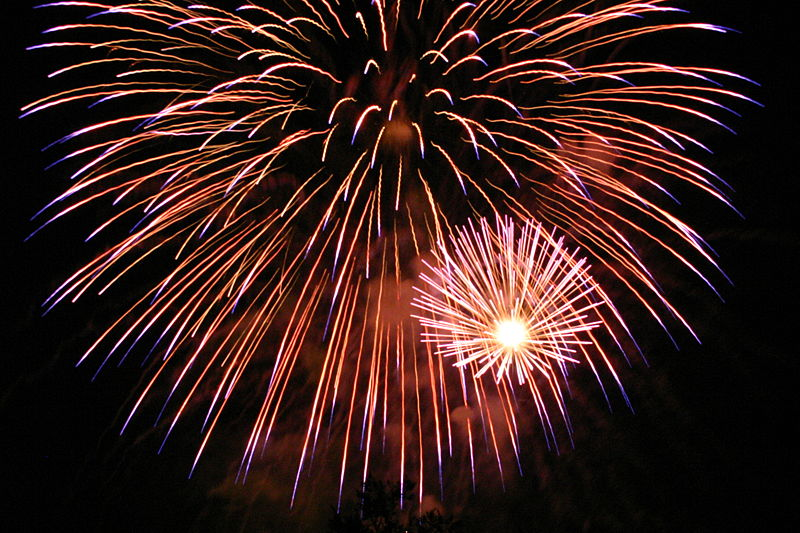File:Fireworks in San Jose California 2007 07 04 by Ian Kluft img 9618.jpg
