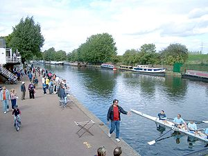 Boating on the River Lea, photo by Salimfadhley